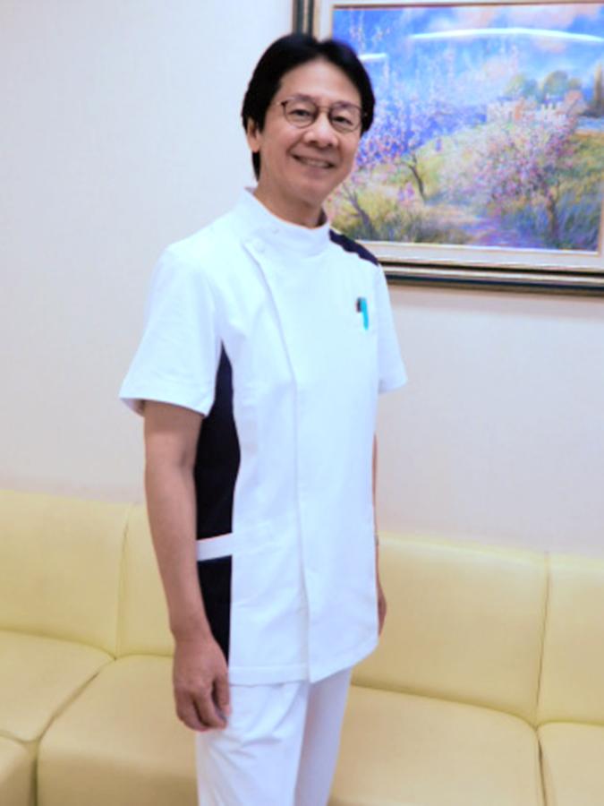 山本 俊夫 院長