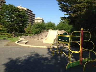 奈良三丁目熊ヶ谷公園「さるかに合戦公園」