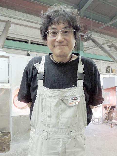 彩グラススタジオ 伊藤 けんじ 主宰