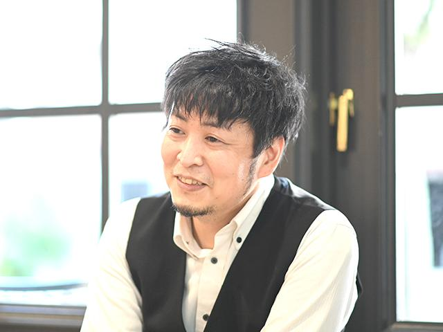 Multiple Cafe FIRST MOVE 萱野 政長 店長